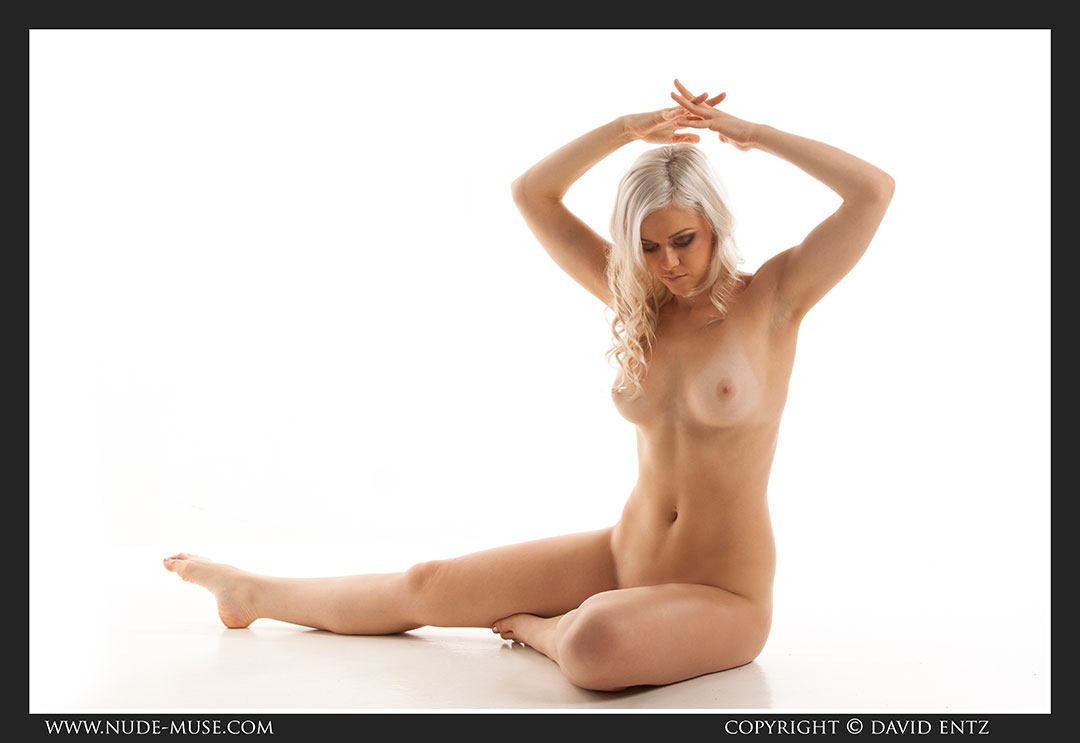 nude-muse_charlie-v_nude_symmetry024