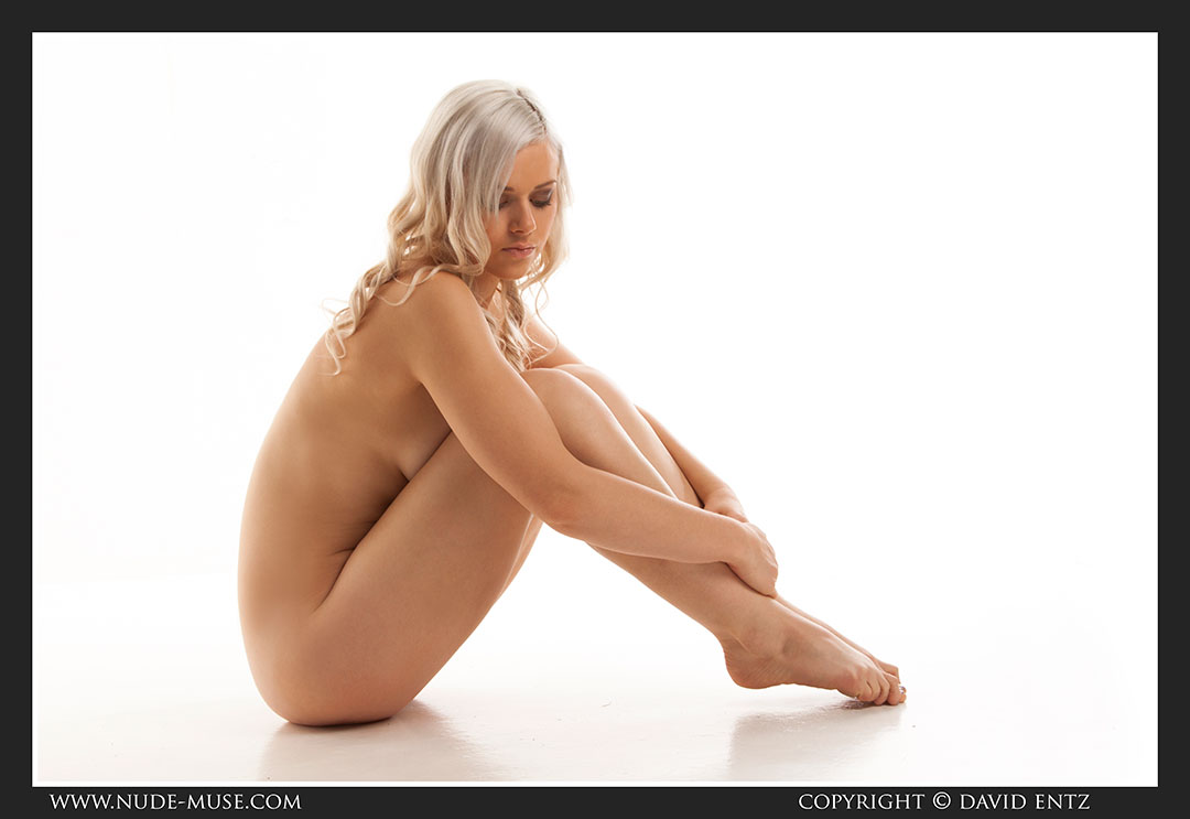 nude-muse_charlie-v_nude_symmetry079
