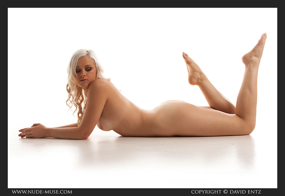 nude-muse_charlie-v_nude_symmetry090