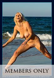 nude-muse_winter_seaside032s