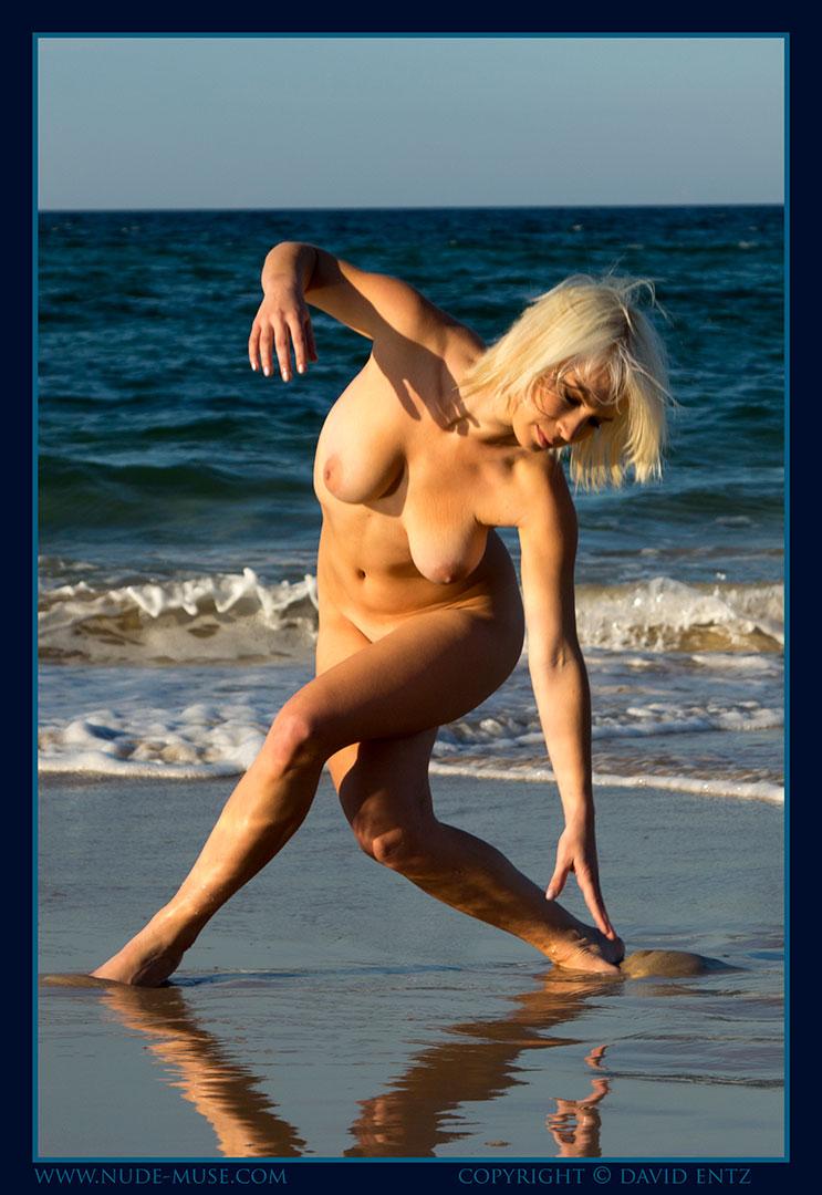 nude-muse_winter_seaside066