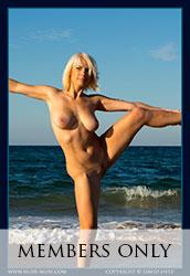 nude-muse_winter_seaside074s
