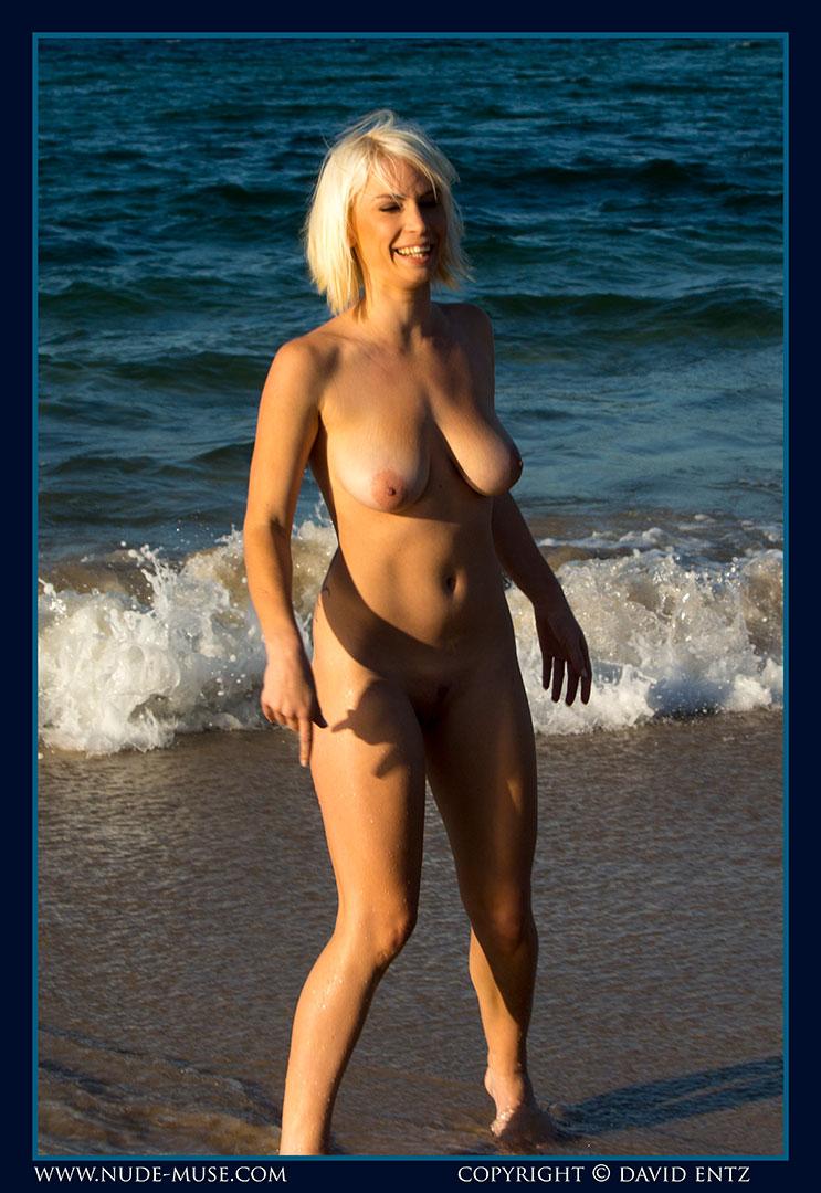 nude-muse_winter_seaside091