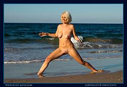 nude-muse_winter_seaside_vid_thm