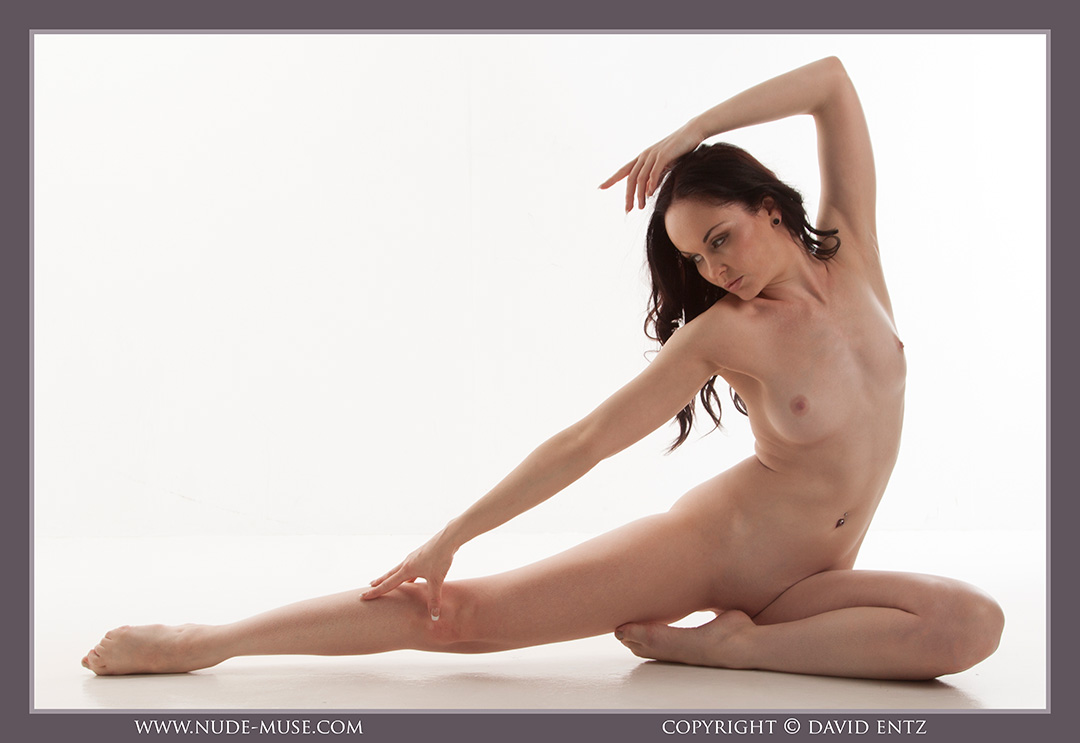 nude-muse_anne_only_the_nude070