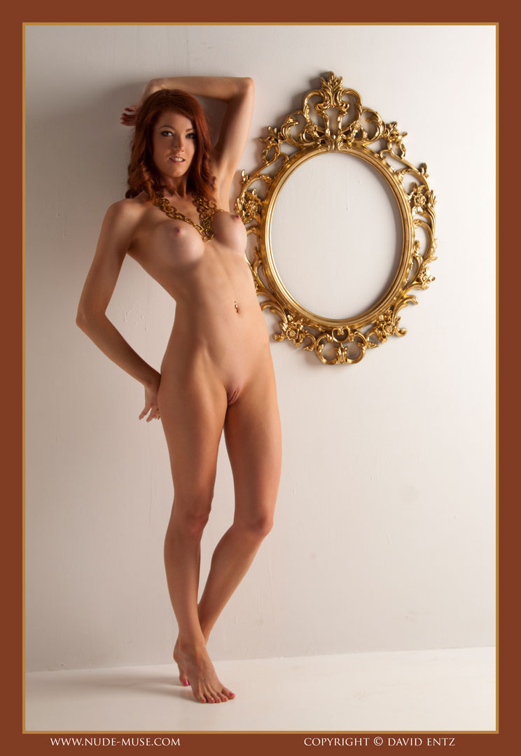 nude-muse_ashly-bell_golden_muse004