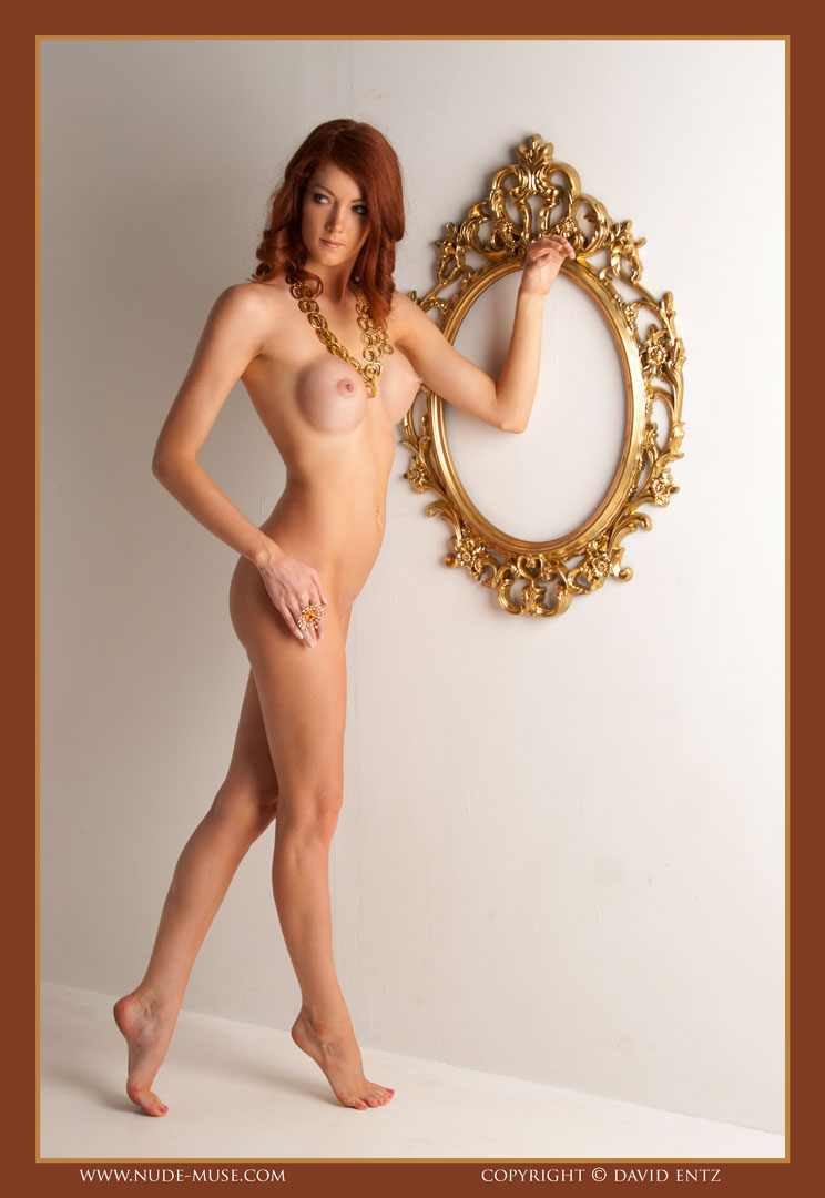 nude-muse_ashly-bell_golden_muse018