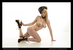 nude-muse_misty-day_steam_punk_vid_thm