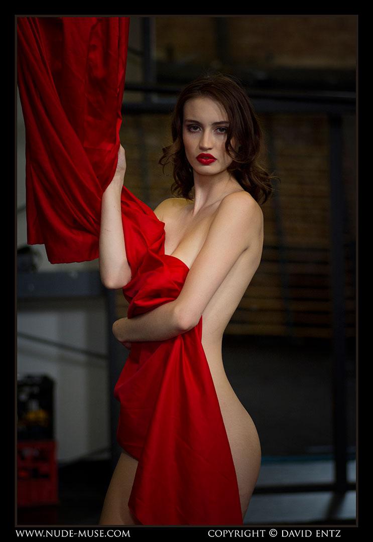 nude-muse_moofy_nude_circus039