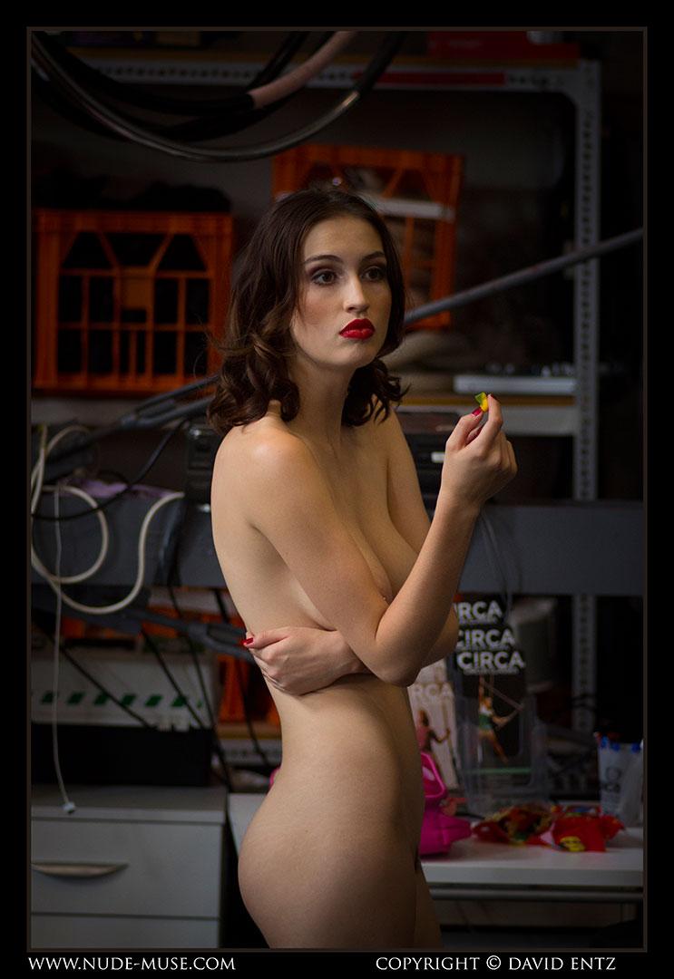 nude-muse_moofy_nude_circus088