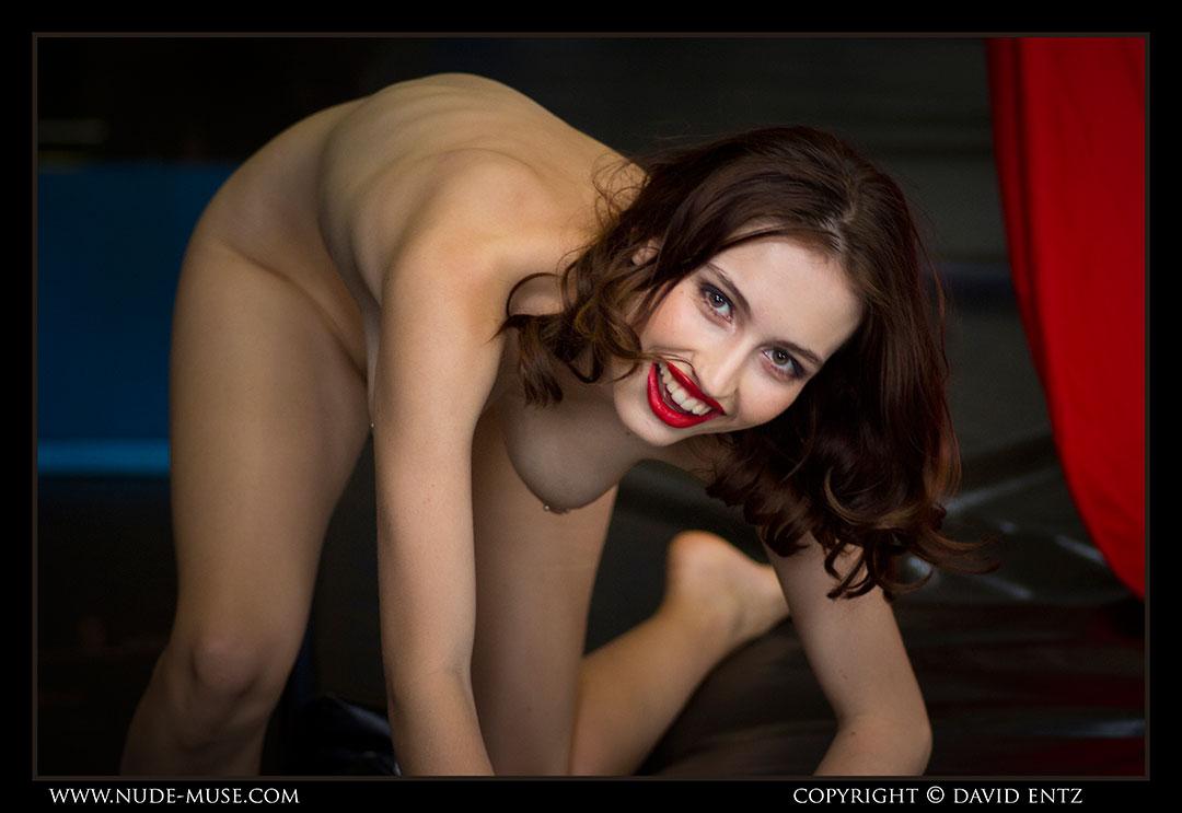 nude-muse_moofy_nude_circus112
