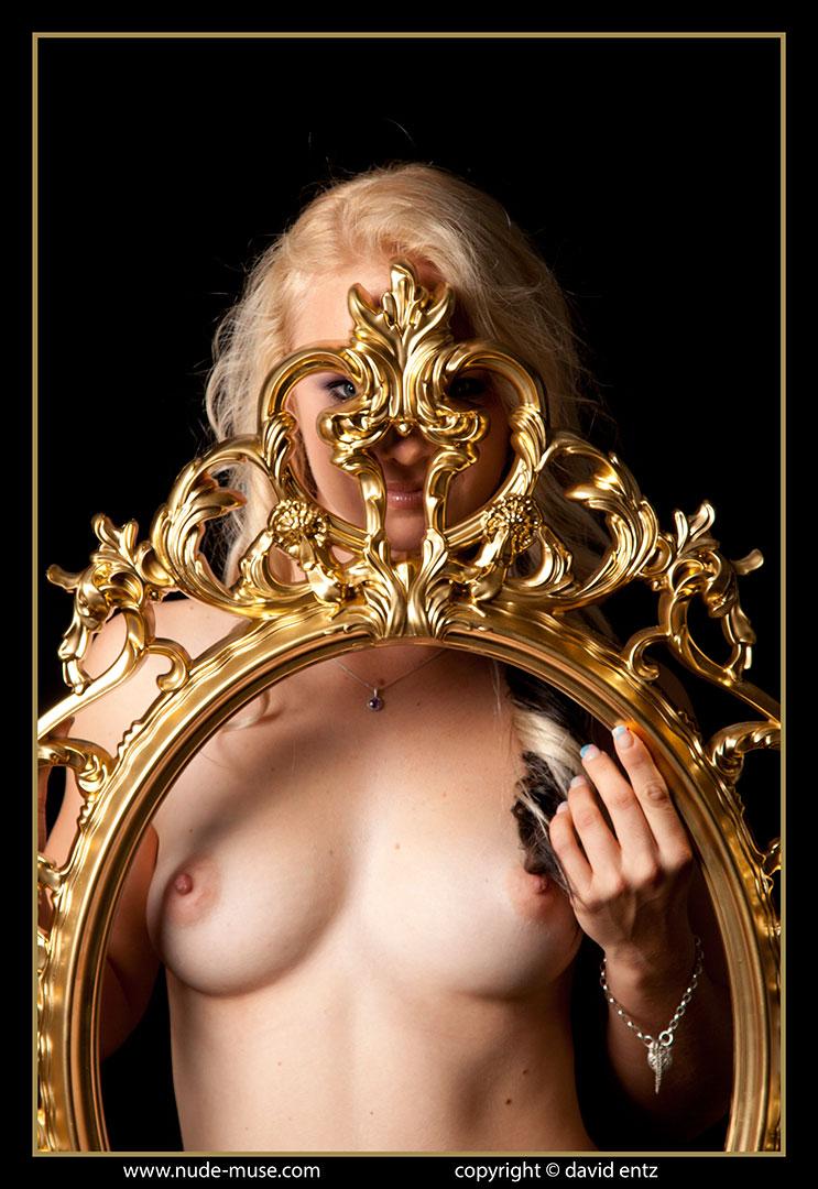 nude-muse_harper_golden024