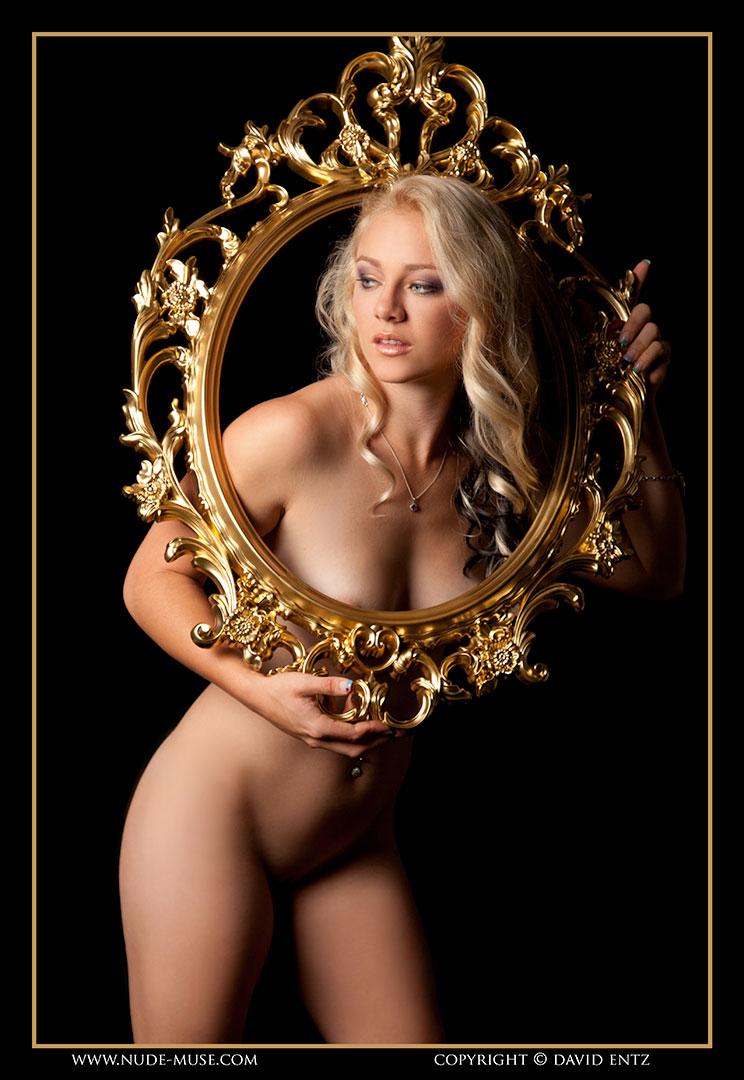 nude-muse_harper_golden032