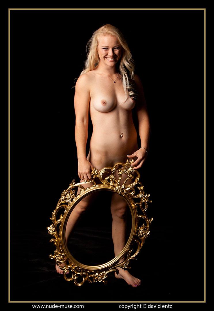 nude-muse_harper_golden149