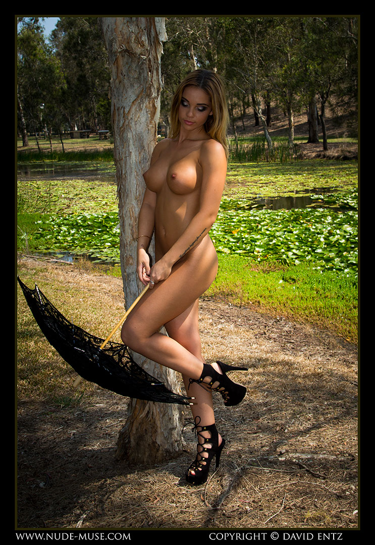 nude-muse_kimberley_lady_by_the_lake031