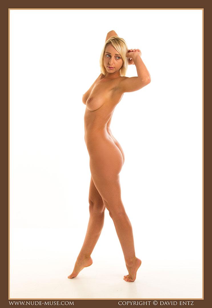 nude-muse_lia_nudity006