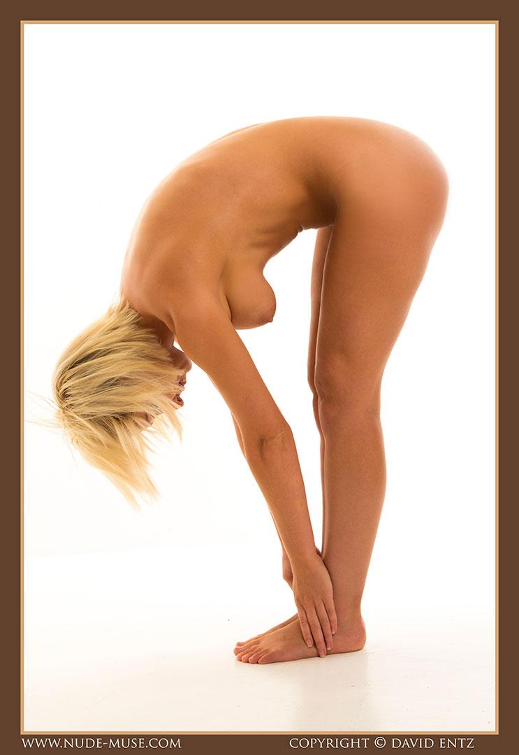 nude-muse_lia_nudity014