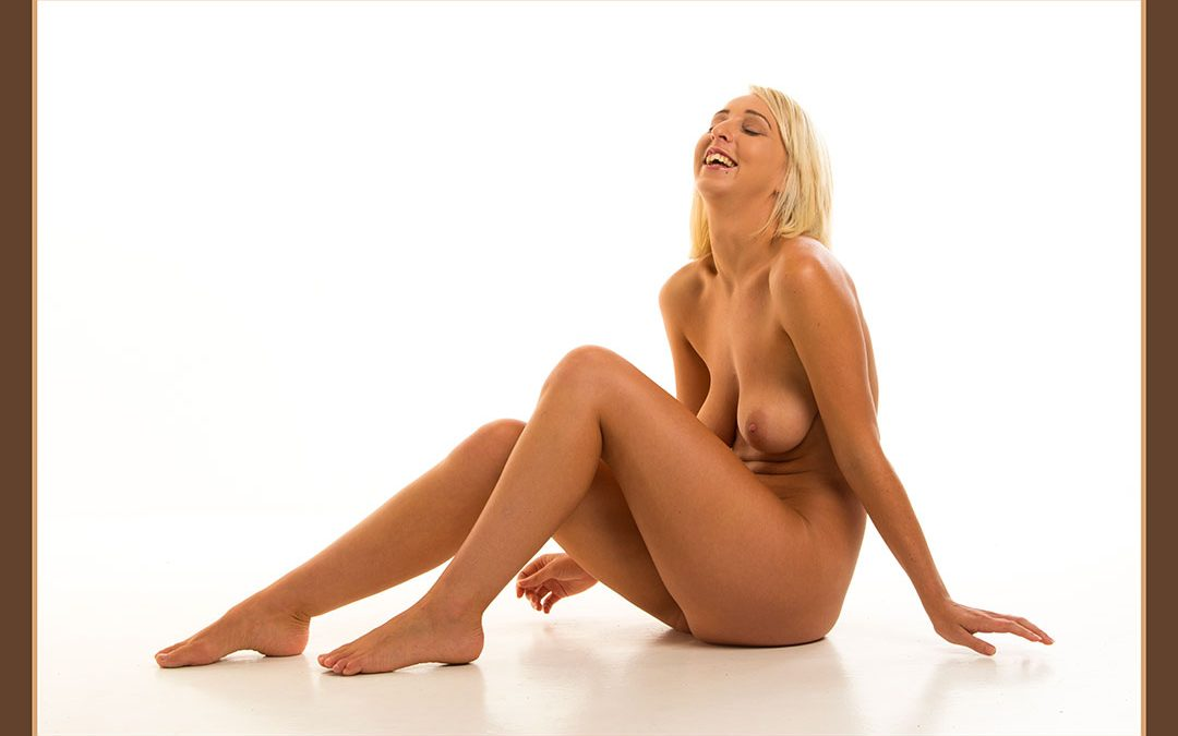 Lia Nudity
