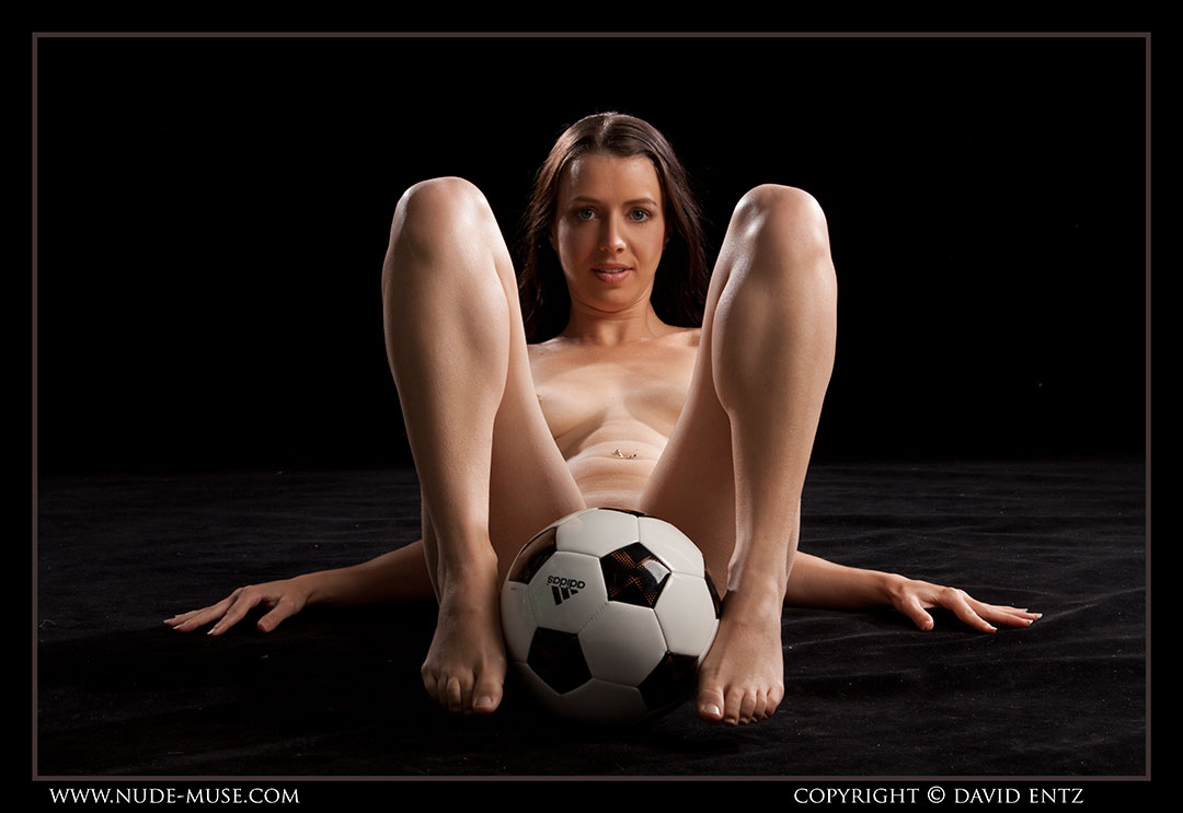 nude-muse_maddy_soccer086