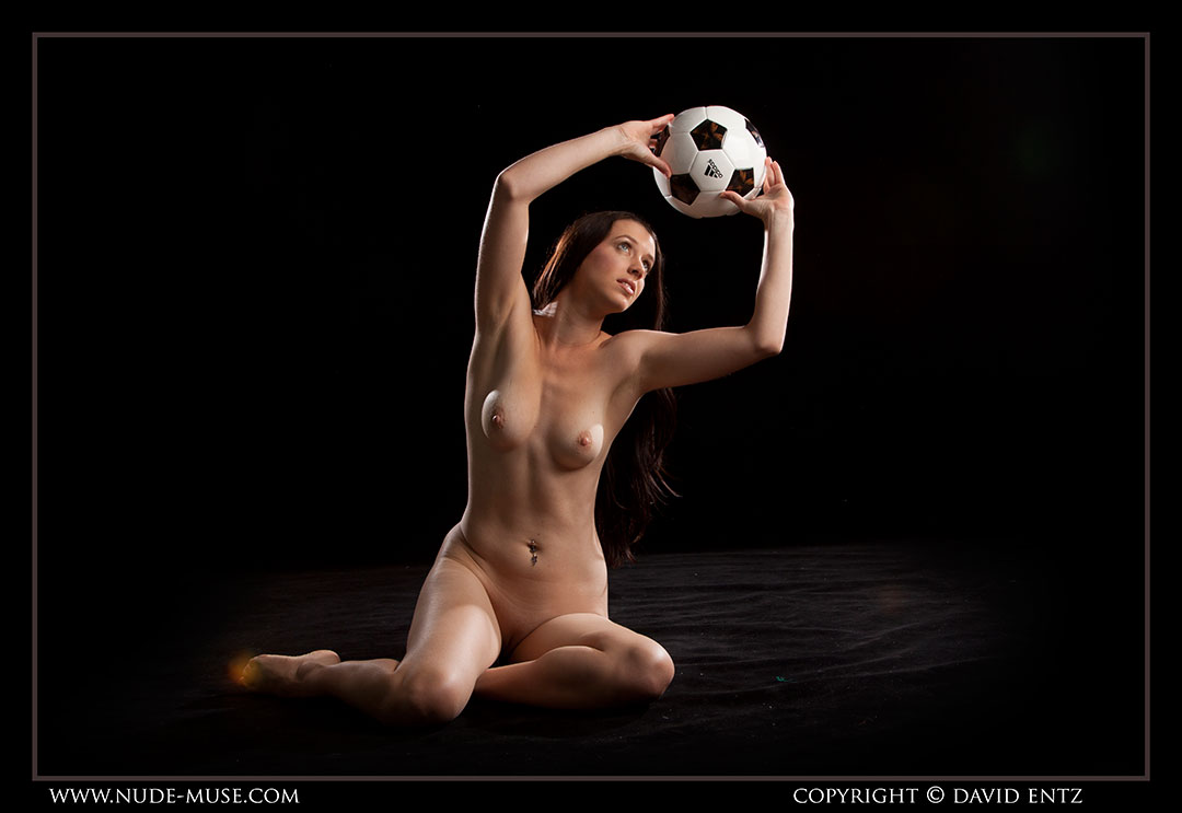 nude-muse_maddy_soccer089