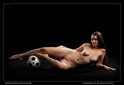 nude-muse_maddy_soccer_vid_thm