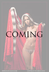 nude-muse_sindy_red_cloak016m
