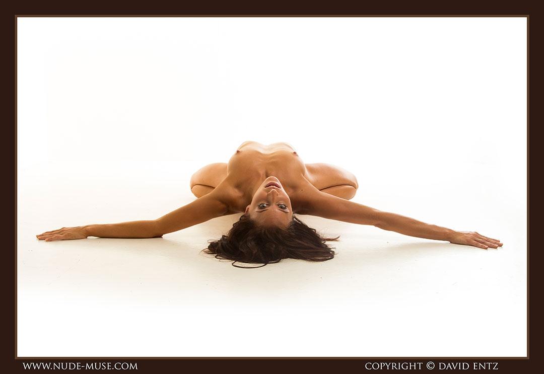 nude-muse_stephanie_nude_body067