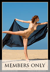 nude-muse_moofy_sand_muse055m
