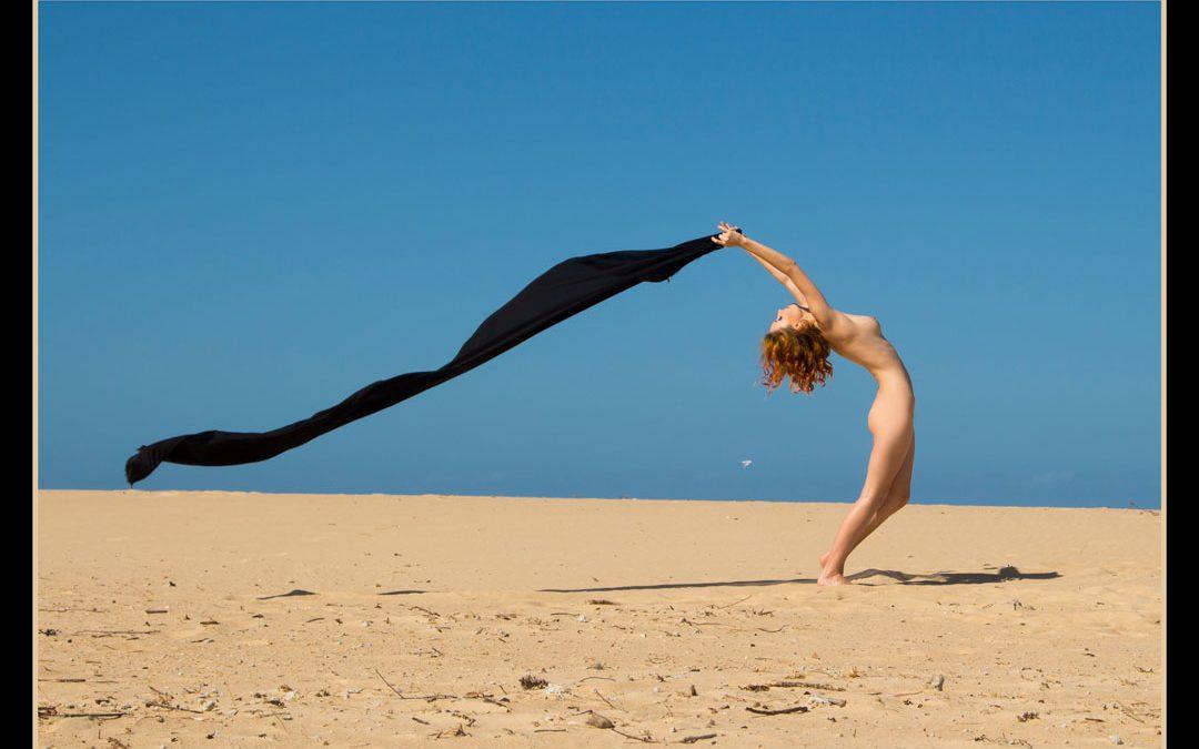 Moofy sand nude muse